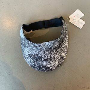 Lulu lemon visor hat, one size, new with tags